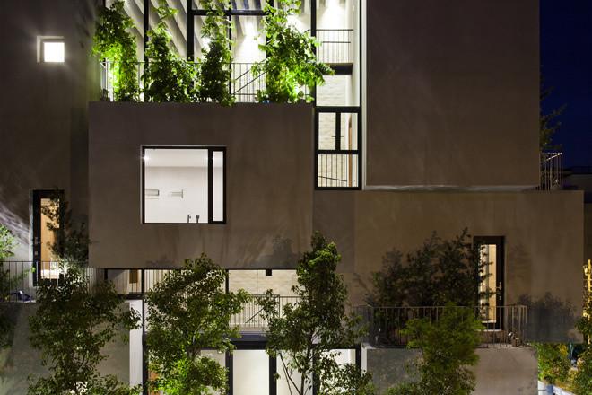 Phối cảnh mẫu thiết kế nhà ống đẹp 5 tầng rợp bóng cây xanh.01