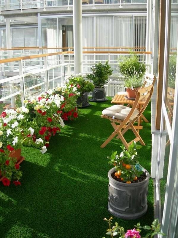 Ý tưởng giúp tiểu cảnh ban công nhà ống đẹp trở nên nổi bật với thảm cỏ xanh mướt